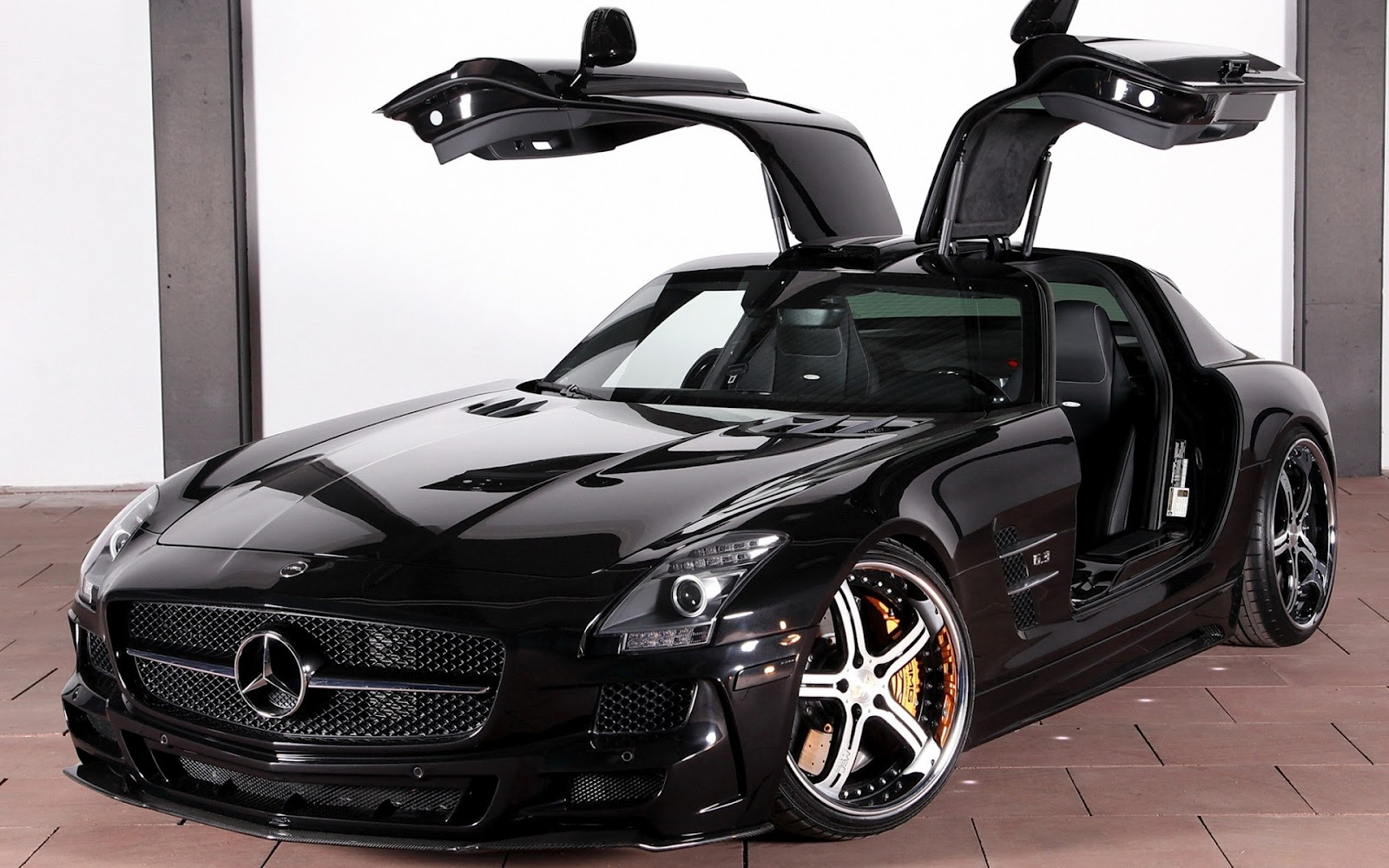 Showcasing car pictures and videos of the super cool mercedes sls 6.3