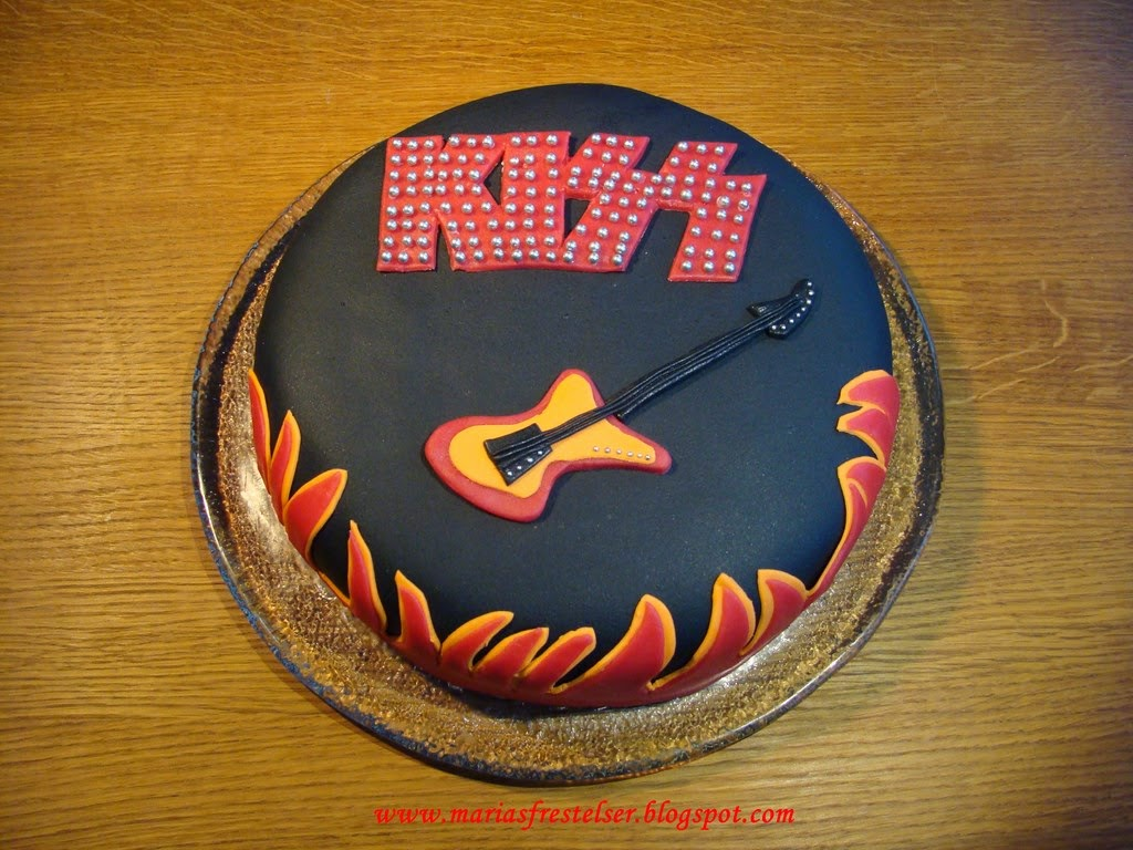KIZZ tårta