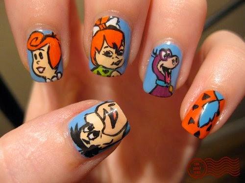 Decoraciones lindas de uñas con dibujos animados