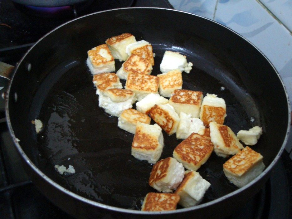 How to make Paneer | Making Indian Cottage Cheese at home ~ Quick ...