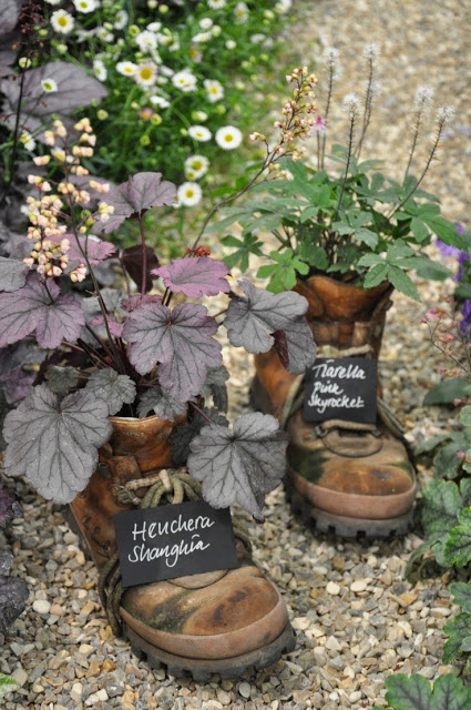 Do it yourself ideas and projects 35 ideas for shoes pots - Qs gartendeko ...