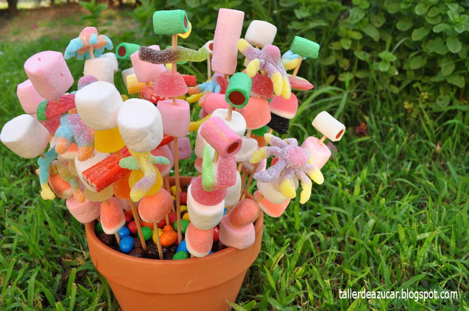 Taller de az car truco para hacer las brochetas dulces - Como hacer figuras con chuches ...