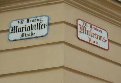 Museumsplatz, Bécs, Wien, MuseumsQuartier, MQ,