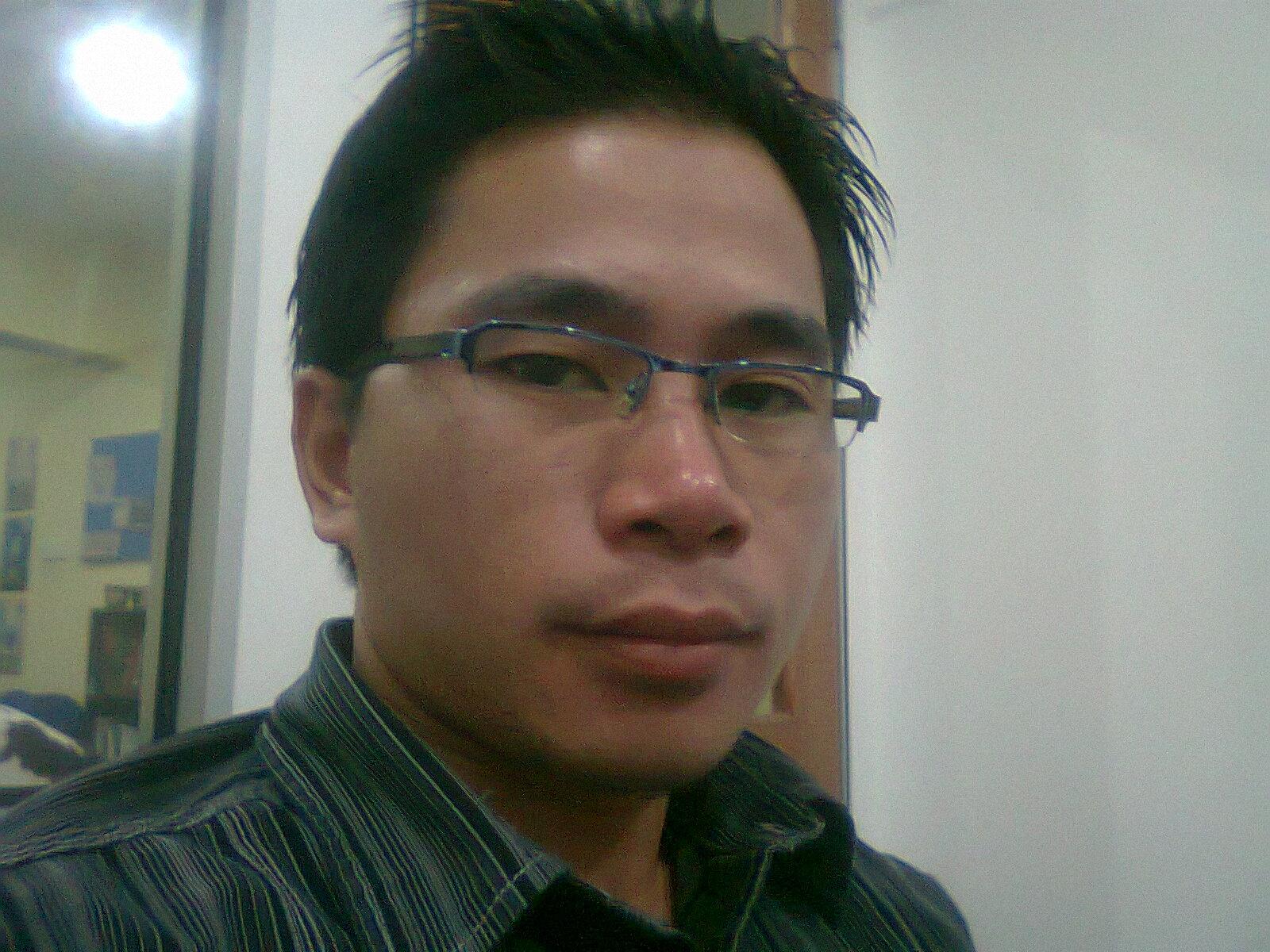 http://1.bp.blogspot.com/-LQbWUpxK3Rk/TaTkjPSTjoI/AAAAAAAAAE4/EkcQ1PE1NyY/s1600/Alex+Abdullah+JR.jpg