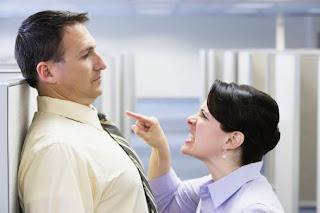 Como evitar que se aprovechen de ti en los negocios