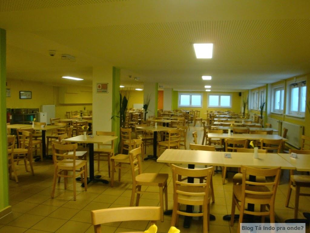 hotel mas as fotos da sala de café do quarto e do banheiro são #644904 1024 768