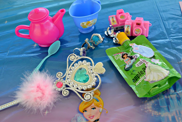 #DisneyPrincessWMT Cinderella Party Favors and snacks