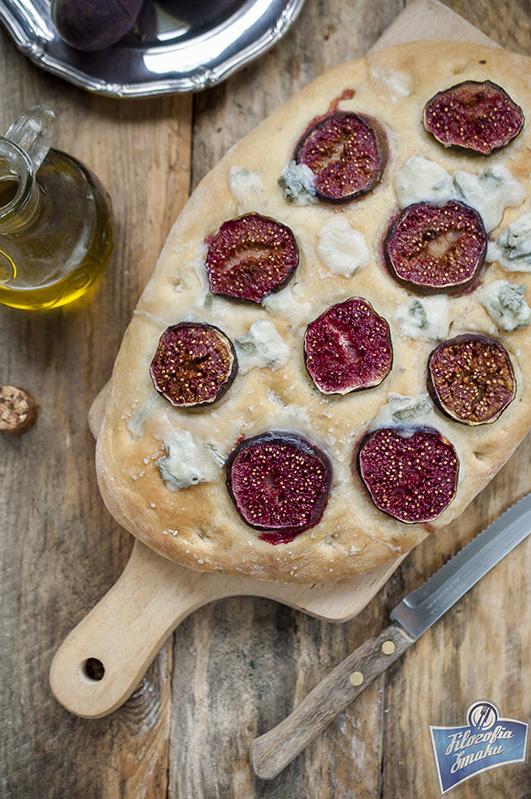 Focaccia z figami i gorgonzolą