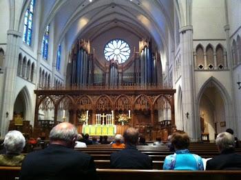 INSIDE ST MARTIN'S EPISCOPAL CHURCH ON WORLD COMMUNION SUNDAY 030611