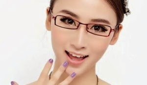 Model kacamata agar terlihat muda