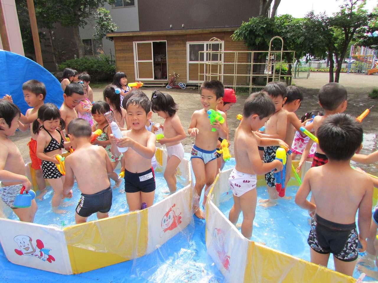 ... 一日目、 水遊び をしました : 幼児 水遊び : 幼児