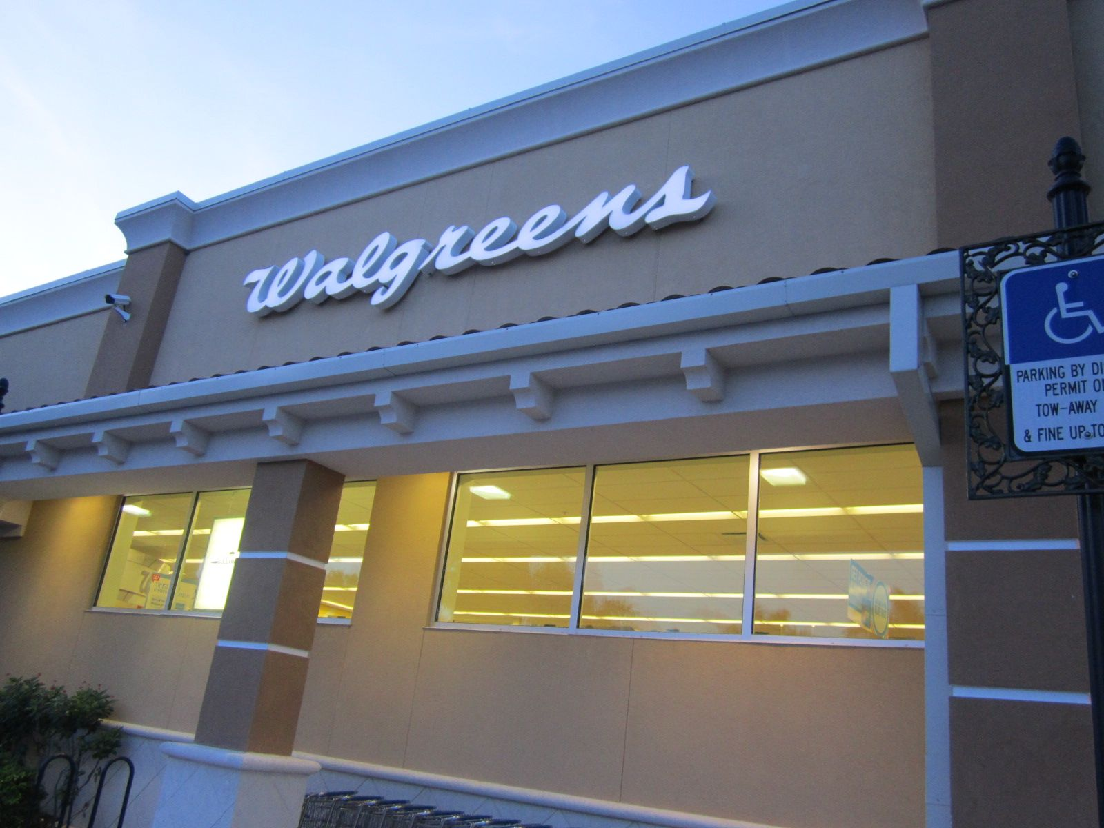 Refill your prescriptions online, create memories with Walgreens Photo, and shop ,+ followers on Twitter.