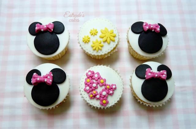 cupcakes de Minnie Mouse decorados con fondant - 1