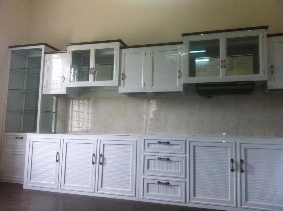 tủ bếp nhôm kính giá rẻ màu trắng sữa