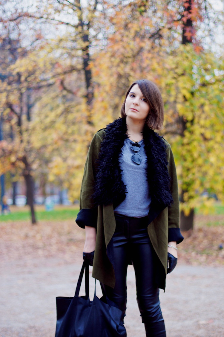 Militar look with leather pants