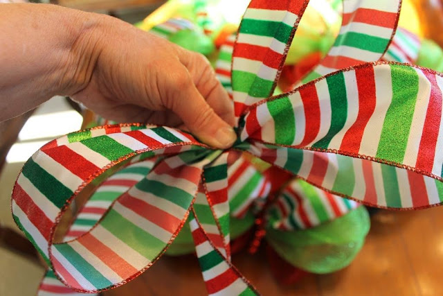 how to make wired ribbon bow