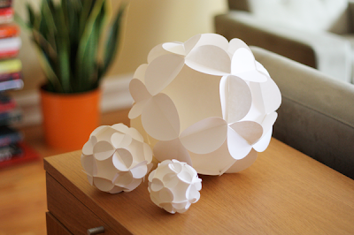 Бумажные шары на елку.