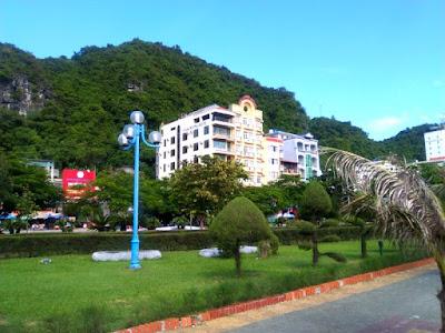 Cat Ba Ha Long Hotel Vietnam