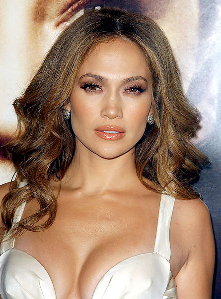 jennifer lopez hairstyles american idol. Jennifer Lopez is keen to
