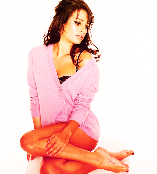 Lea Michele Hairstyles 33