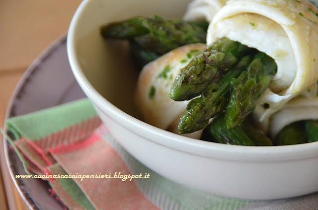 involtini di sogliola e asparagi con salsa verde