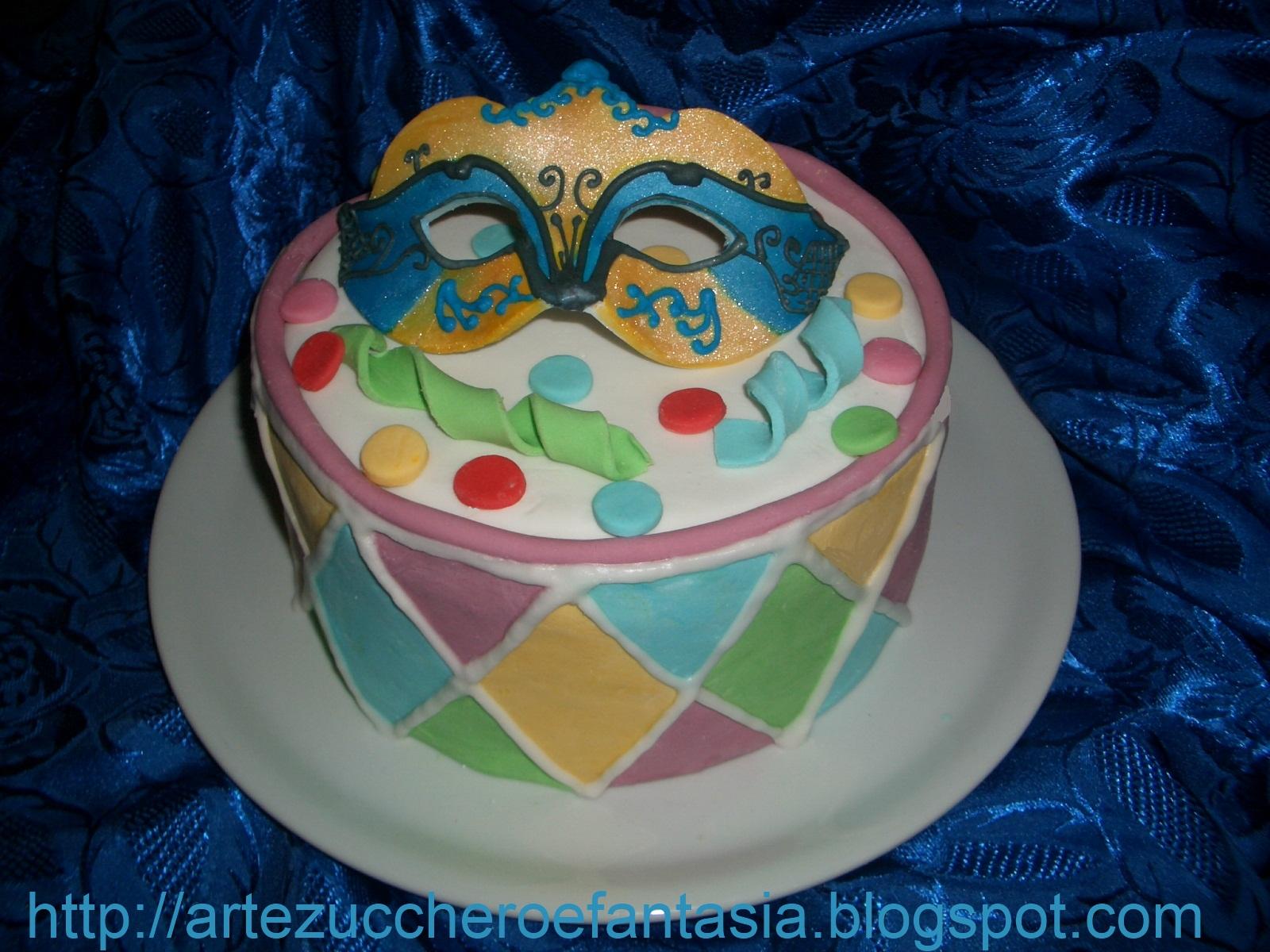 Arte zucchero e fantasia torta di carnevale festeggiamo - Decorazioni per torte di carnevale ...