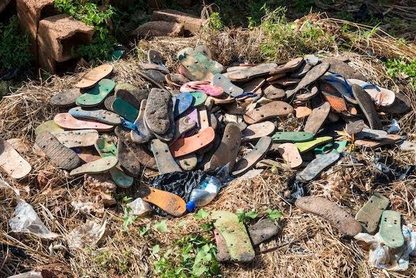 Couvertures avec des Sandales Recyclées