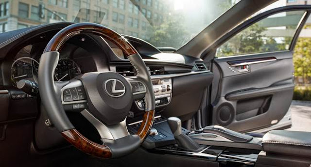 2016 Lexus 300h Reviews