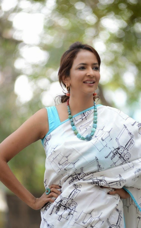 Manchu Lakshmi In Saree Latest Stills