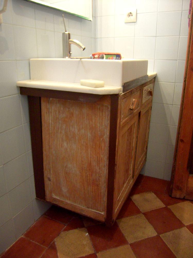 Supermanitas mueble de lavabo reinventado for Mueble lavabo