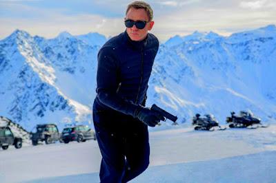 Spectre Movie Film 2015 - Sinopsis (Daniel Craig, Monica Bellucci, Ralph Fiennes)