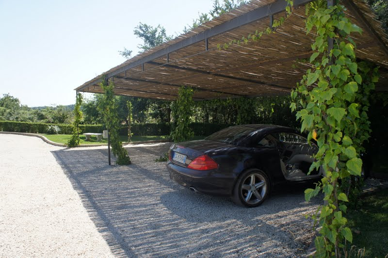 villa helena carport. Black Bedroom Furniture Sets. Home Design Ideas