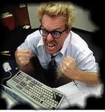 La gestión del estrés en el proceso de cambio, hombre enfadado