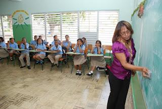 Educación dice pagó aumento del 15% a maestros