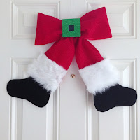 http://plumperfectandme.blogspot.com/2015/11/santa-bow-wreathwall-hanging-diy.html