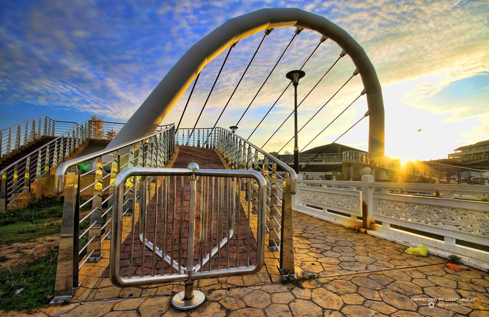 Sunrise di jambatan Pulau Warisan