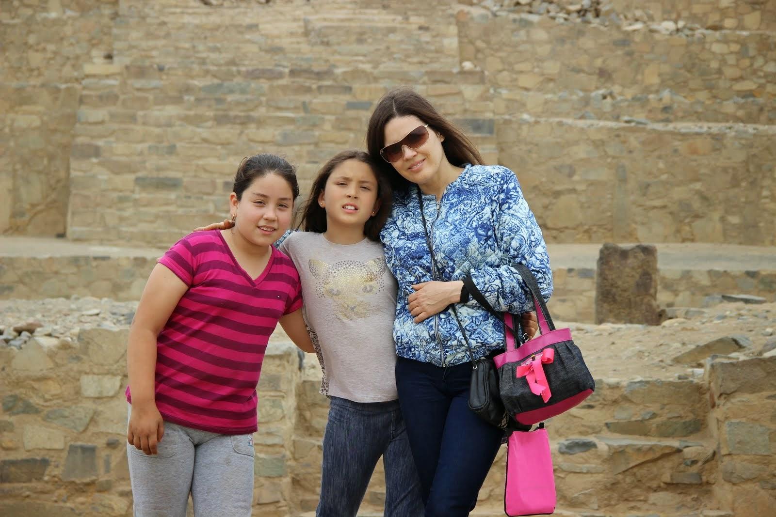 25-26-27-10-2014-Recorriendo Caral con Emy&Fito.33.p.Arantza,&Ana Lucia