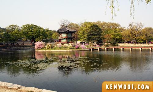 korea seoul gyeongbukgung pond
