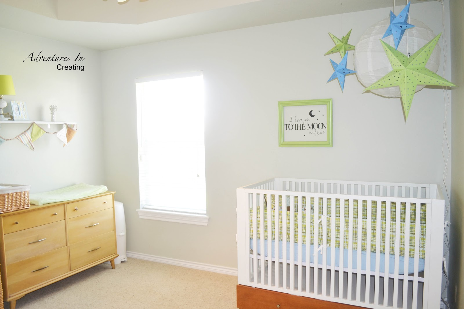 anyway without further adieu here 39 s sawyer 39 s moon and star nursery. Black Bedroom Furniture Sets. Home Design Ideas