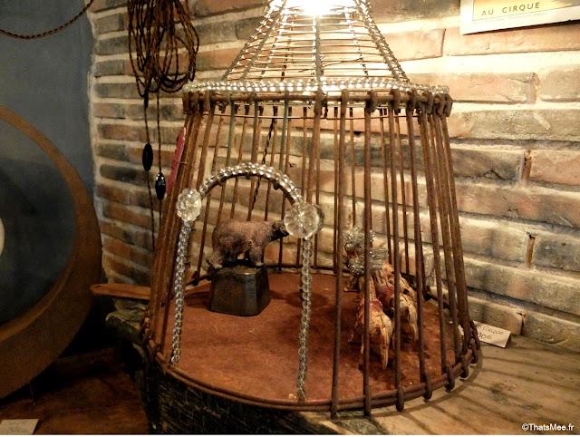 boutique Metamorphose Bois Métal Lumière Bellême création lumineuse lampes poétiques, lampe cirque à poser fer