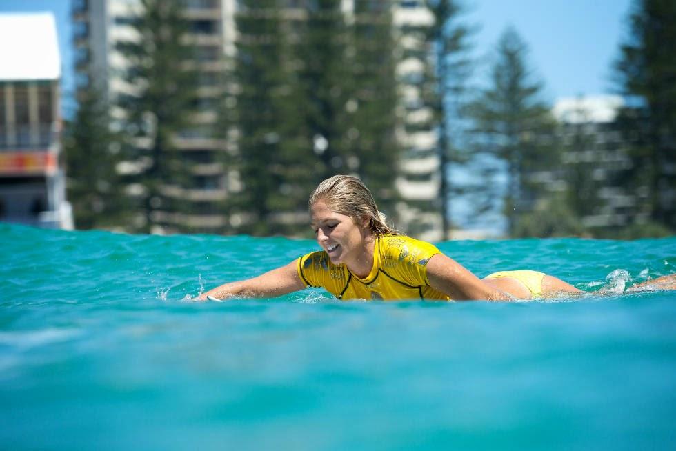 3 Roxy Pro Gold Coast 2015 Stephanie Gilmore Foto WSL Kelly Cestari