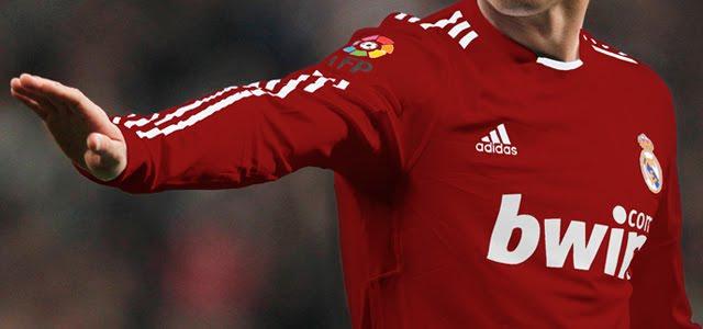 tercera camiseta del Real Madrid 2011/12. ¿Real Madrid de Rojo