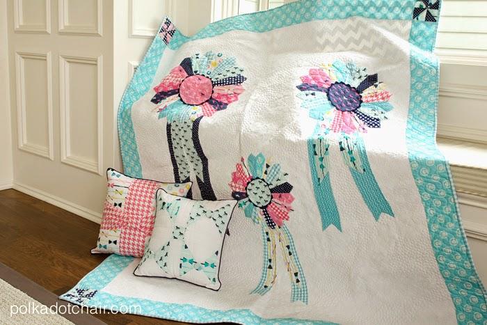 http://1.bp.blogspot.com/-LUePUR6YGFw/VKwVglkQlMI/AAAAAAAAcaA/qIof91eOt2w/s1600/Quilt-with-dresden-ribbons.jpg