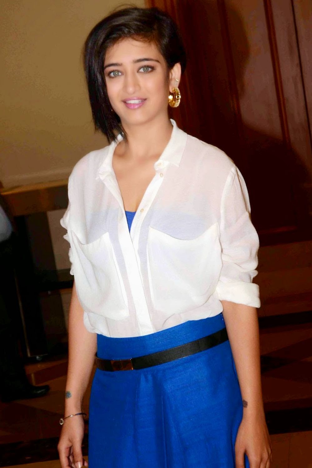 Dirty post: Akshara Hassan Blue Ghaghra and White Shirt, HOT @ 23