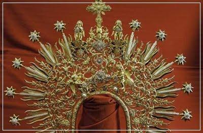 Corona de la Soledad, que ha sido enriquecida en la joyería Castellanos.Para su Coronaciòn.