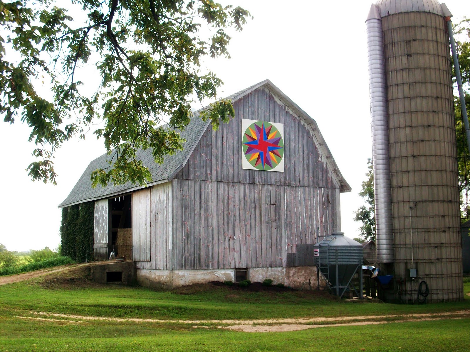 Quilt Patterns On Wisconsin Barns : Barn Quilts and the American Quilt Trail: September 2011