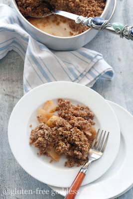 Apple crisp with a twist- gluten-free quinoa flakes #vegan