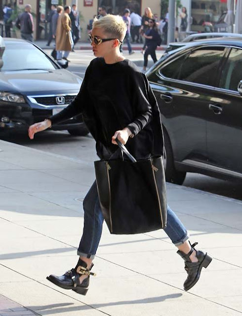 mileycyrus-Balenciaga-cut-out-elblogdepatricia-shoes-zapatos-scarpe-calzature-chaussures