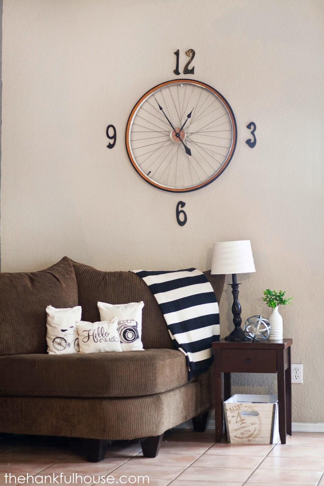 DIY bicycle wall clock