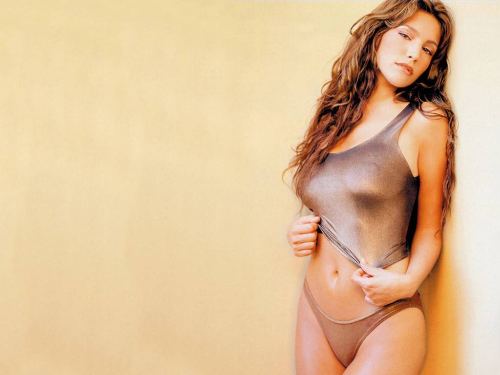 http://1.bp.blogspot.com/-LVBwjhmuHXs/TXHg1gdDkMI/AAAAAAAAApw/iMIEdgy7uGU/s1600/kelly_brook_actress_a_wallpaper_17.jpg